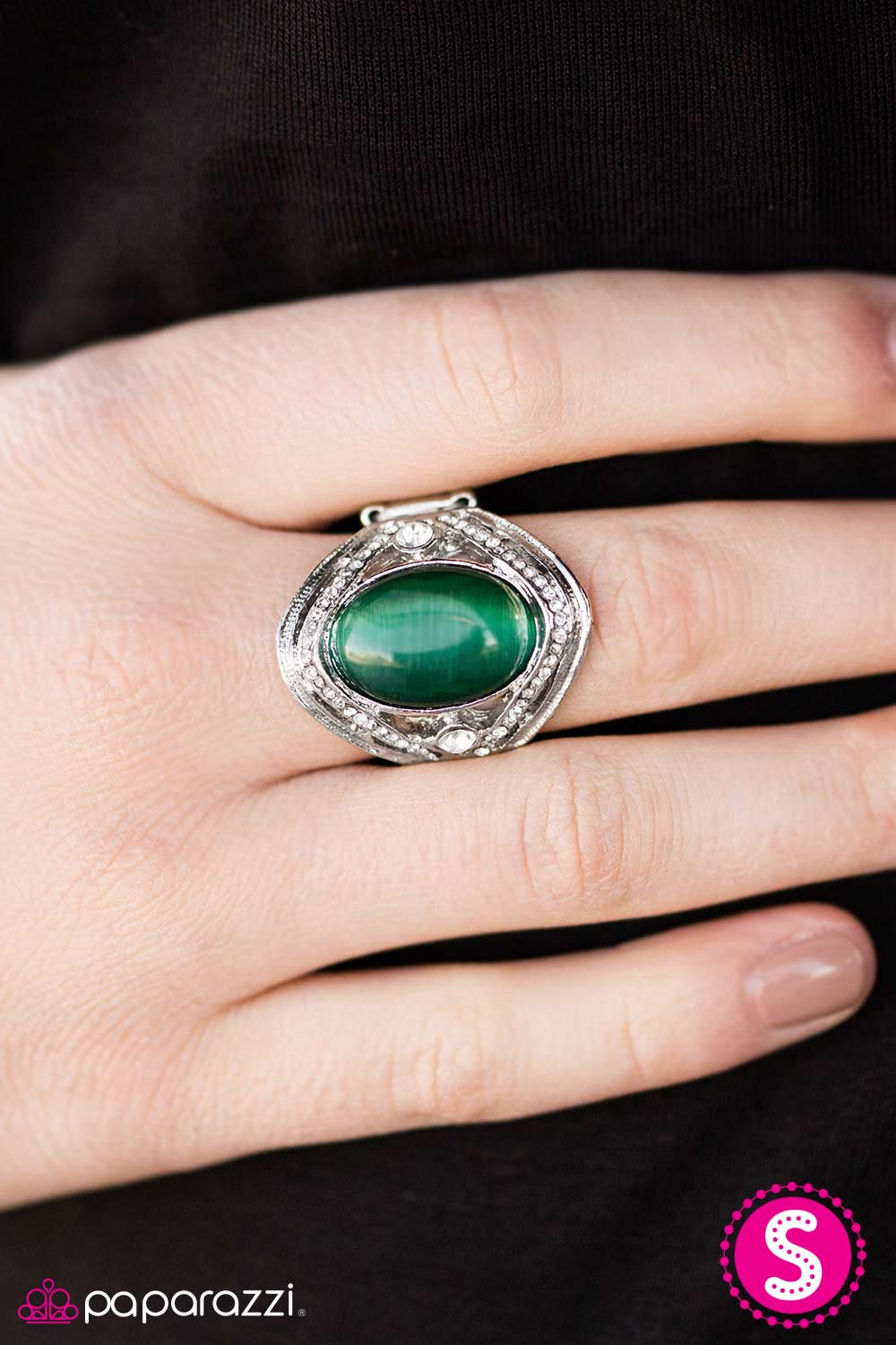 Paparazzi Accessories Everyday Is A Fairy Tale Green