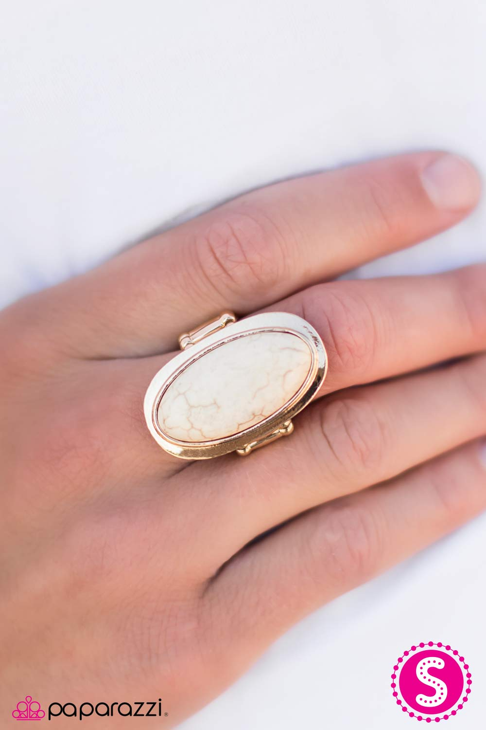 Paparazzi Accessories: Rodeo Night - White/Gold
