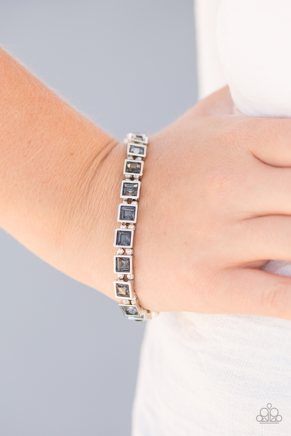 Paparazzi Accessories A Glam Of Few Words Silver