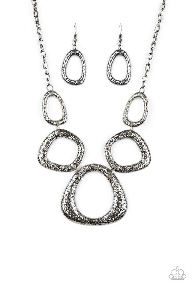 Backstreet Bandit - Black - Paparazzi Necklace Image