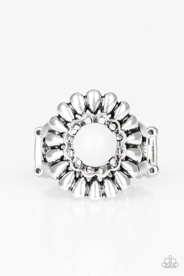 Poppy Pep - White - Paparazzi Ring Image