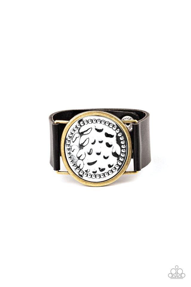 Hold On To Your Buckle - Black - Paparazzi Bracelet Image