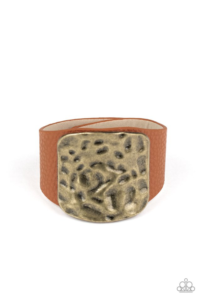 Brighten Up - Brass - Paparazzi Bracelet Image