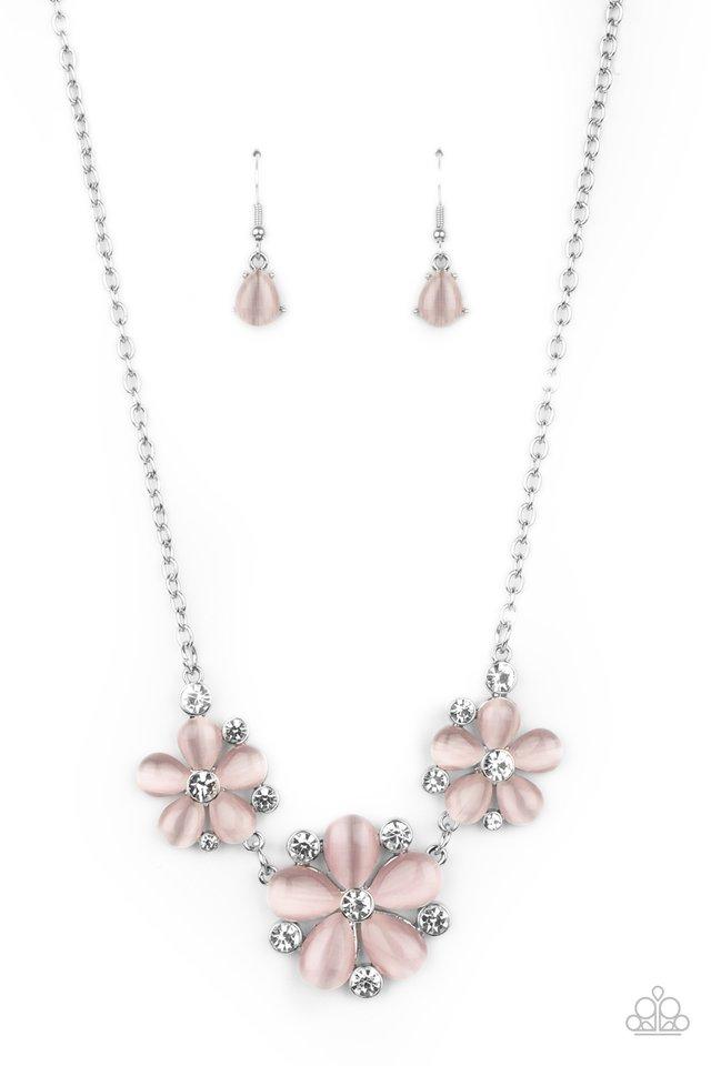 Effortlessly Efflorescent - Pink - Paparazzi Necklace Image