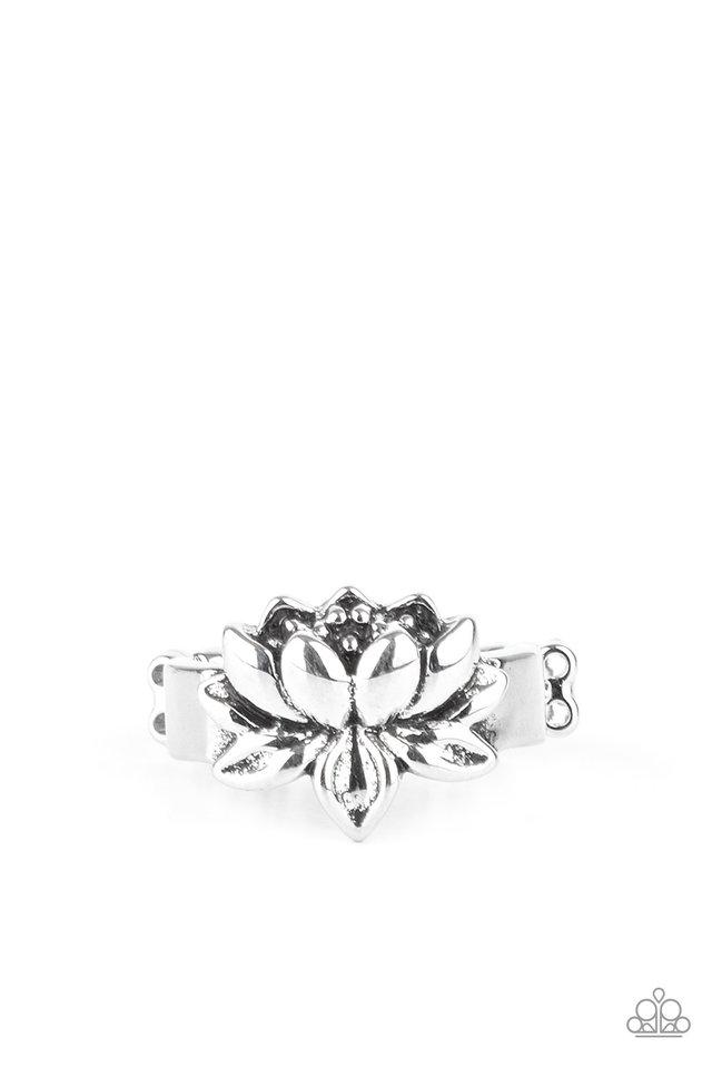 Lotus Crowns - Silver - Paparazzi Ring Image