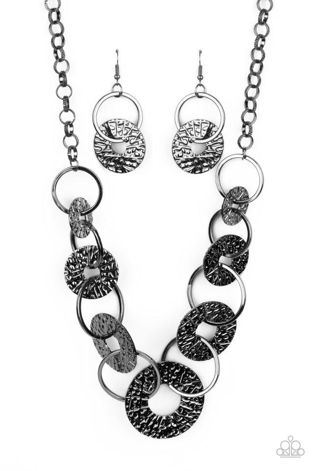 Industrial Envy - Black - Paparazzi Necklace Image