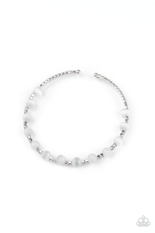 Tea Party Twinkle - White - Paparazzi Bracelet Image