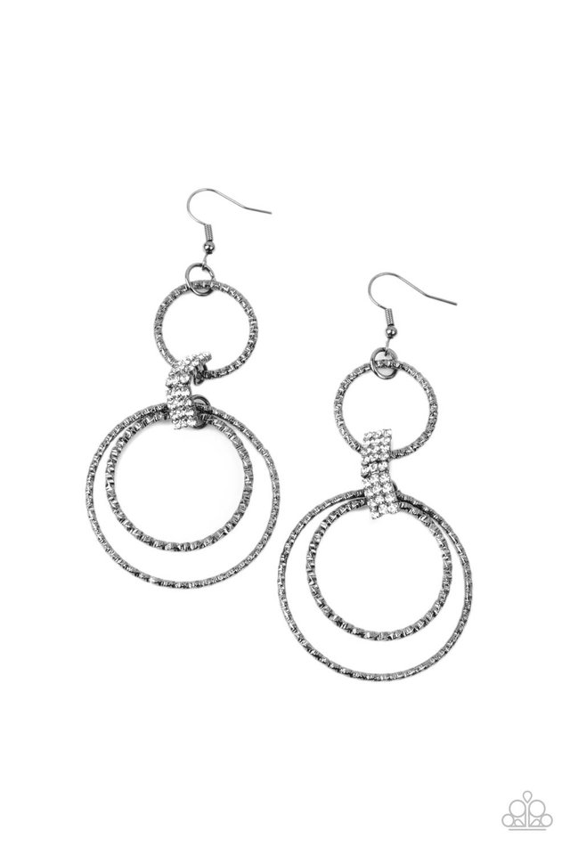 Getting Hitched - Black - Paparazzi Earring Image