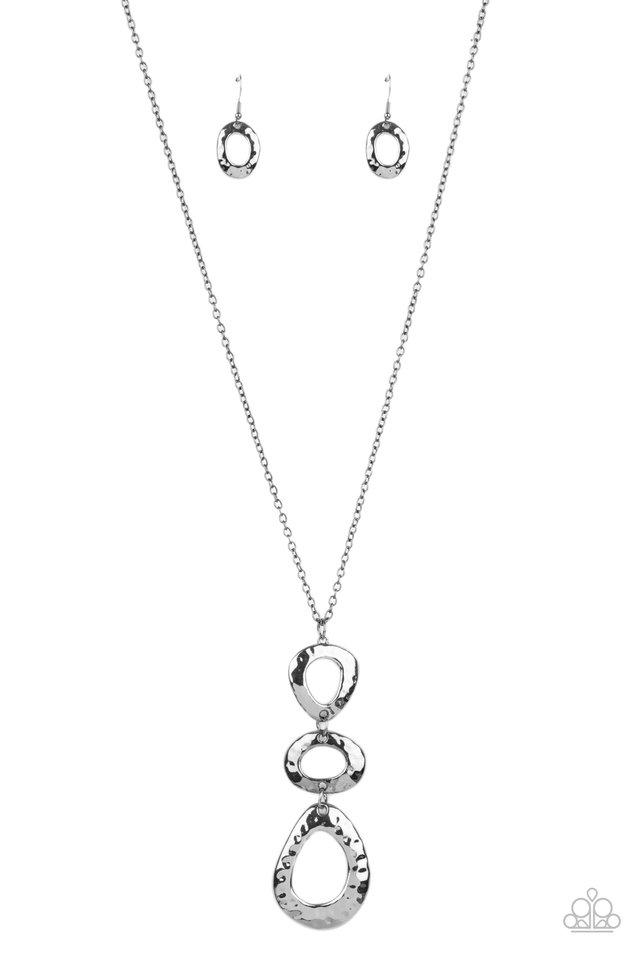 Gallery Artisan - Black - Paparazzi Necklace Image