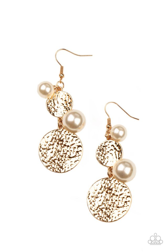Pearl Dive - Gold - Paparazzi Earring Image