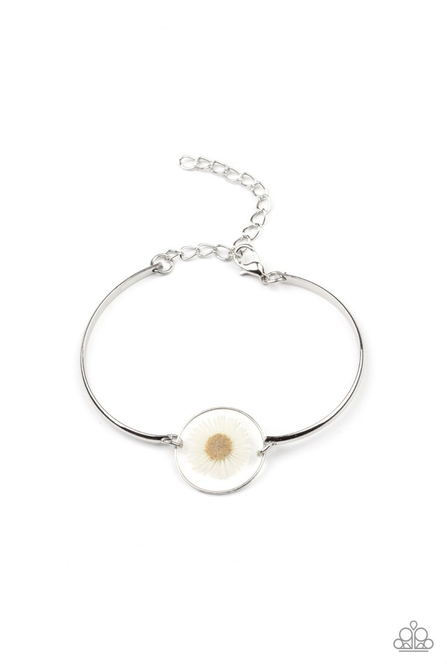 Cottage Season - White - Paparazzi Bracelet Image