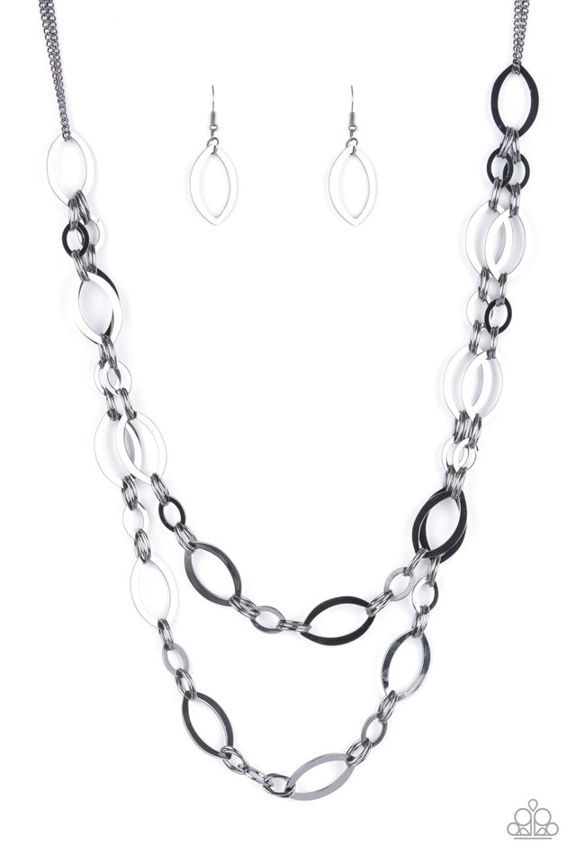 The OVAL-achiever - Black - Paparazzi Necklace Image