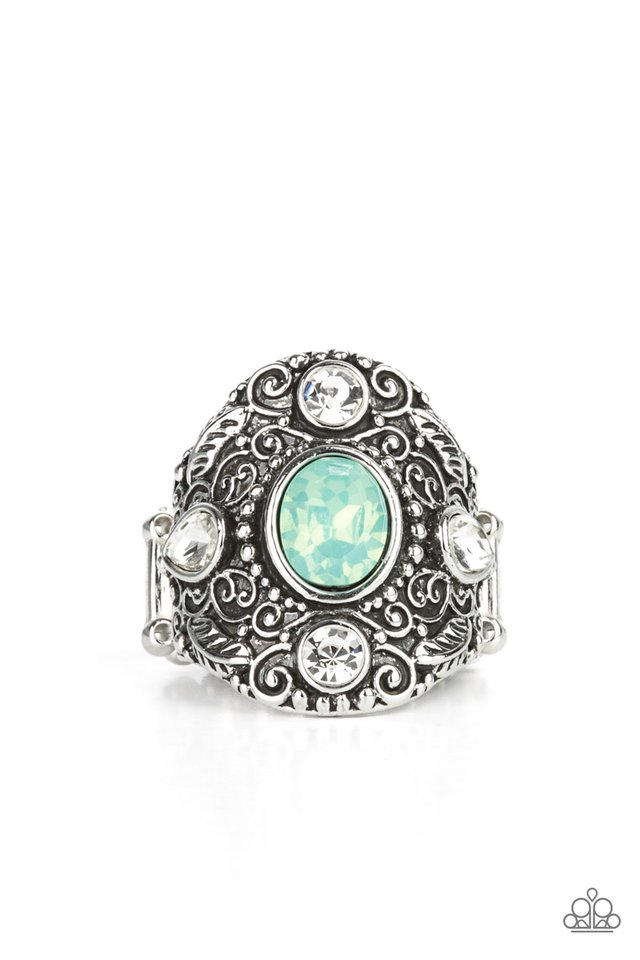 In The Limelight - Green - Paparazzi Ring Image