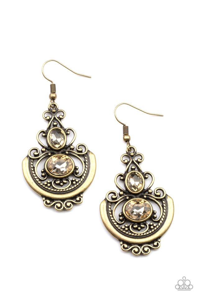 Unlimited Vacation - Brass - Paparazzi Earring Image