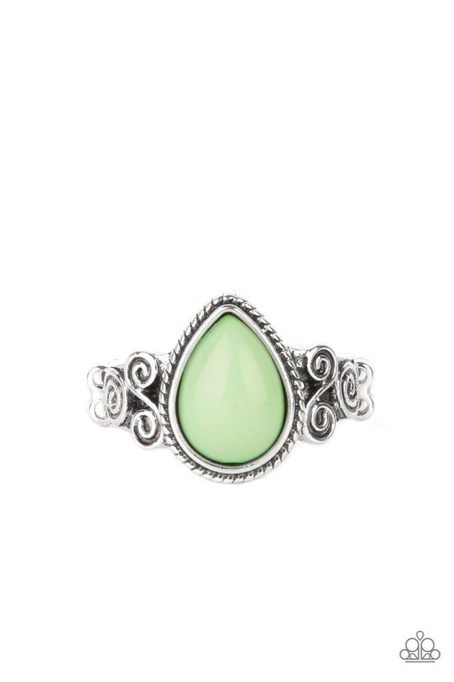 Dreamy Droplets - Green - Paparazzi Ring Image