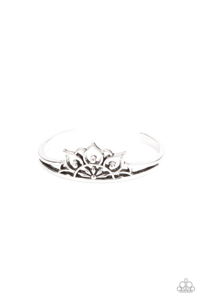 Mandala Mindfulness - Silver - Paparazzi Bracelet Image