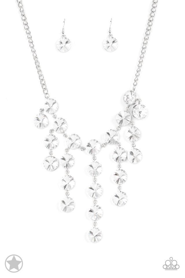 Spotlight Stunner - Paparazzi Necklace Image
