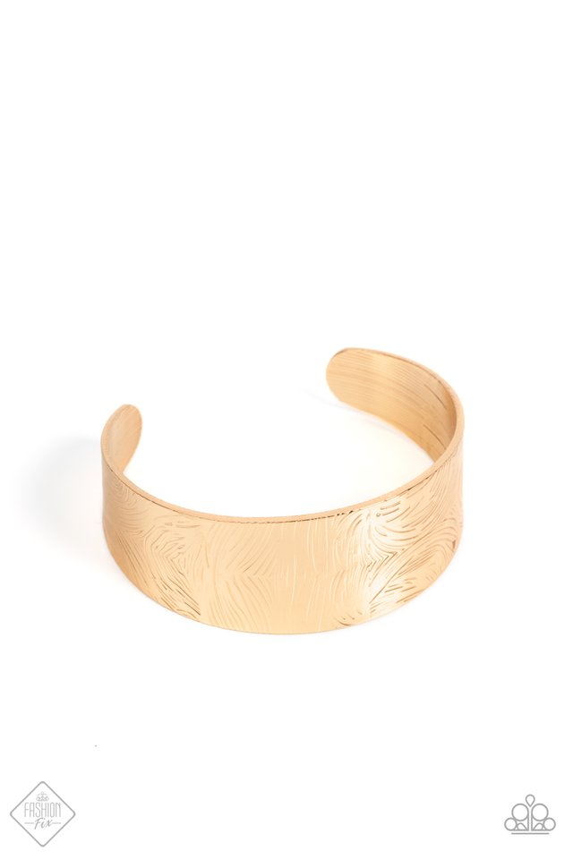 Coolly Curved - Gold - Paparazzi Bracelet Image